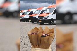 Crowdfunding Qassa verrast 200 postbezorgers met bloemen